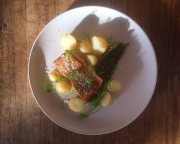 Hake with asparagus. Photo: ME